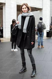 黑衣服怎样搭配围巾