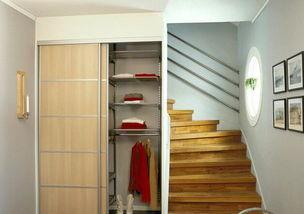 现代简约风格的衣柜效果图