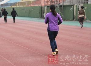 跑步前热身(跑步前为什么要热身?)