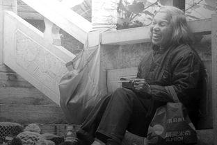 英国画家用铅笔描绘中国 如照片般逼真