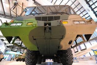神鹰400制导火箭弹发射车前部