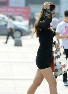 路人街拍 美女这样穿透视装, 看的人欲罢不能