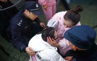 对话翻出16楼托举孕妇民警相信每个警察都会这么做