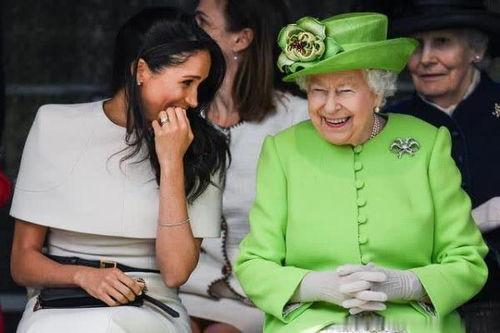 女王反感梅根带来的好莱坞因素,阻碍王室的未来她必须改变