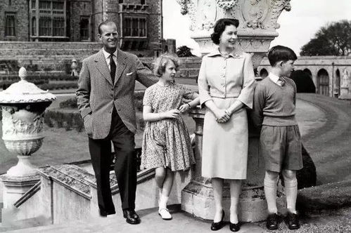 99岁菲利普亲王病危英国女王离钻石婚只差一年挺住,老伴儿