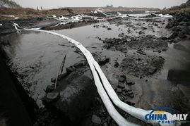 截至昨日下午5时,中石化青岛开发区输油管线破裂造成原油泄漏爆燃事故,遇难者已上升至48人,住院治疗136人.