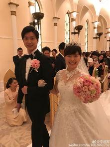 福原爱东京迪士尼婚礼变公主 与米老鼠共舞