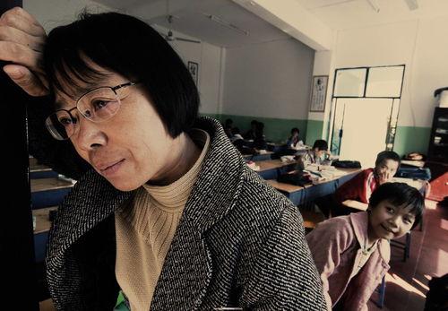 拿命办学的女高校长张桂梅是怎样炼成的