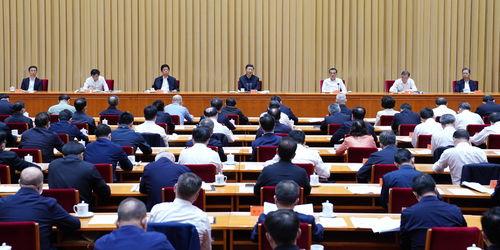 习近平在第三次中央新疆工作座谈会上强调坚持依法治疆团结稳疆文化润疆富民兴疆长期建疆努力建设新时代中国特色社会主义新疆