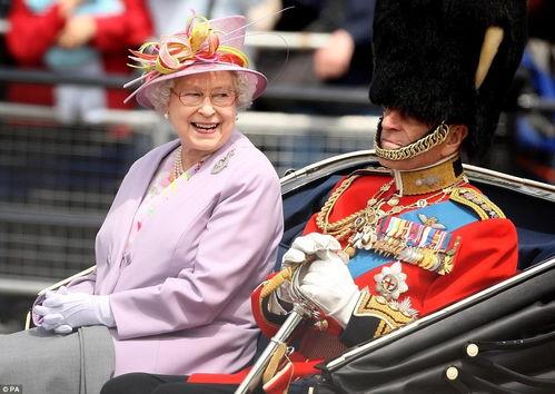 他为了她,放弃王位,做她侍卫70年