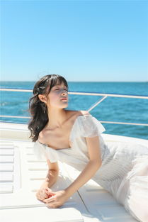 长大了 徐娇白裙亮相 一颦一笑韵味十足