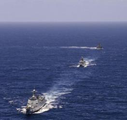 152舰艇编队正在访问瑞典斯德哥尔摩。