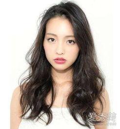 长脸如何选发型脸长的女生适合长发还是短发 爱秀美