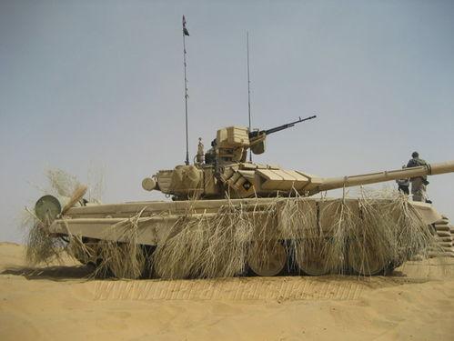 印度陆军的t-90坦克参加黄铜战车演习