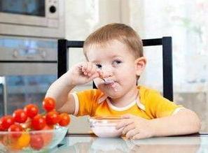 宝宝不爱吃饭是怎么回事(宝宝不爱吃饭是怎么回)