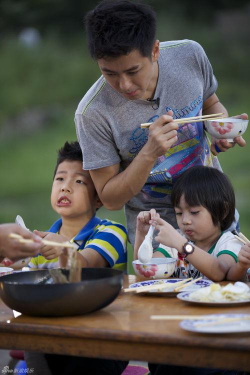 关键词:爸爸去哪儿;田亮;林志颖;郭涛;爸爸去哪儿;凹造型