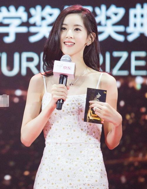 图为刘强东妻子章泽天。(