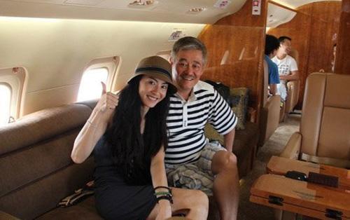 赵本山私人飞机沦为拉货机,她亲自驾驶私人飞机,周杰伦租机赶场
