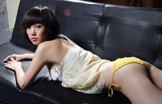 ...25日独家推出张筱雨首次女人味写真