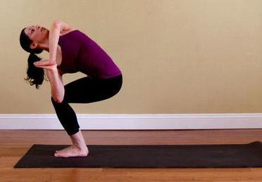 简单的减肥瑜伽