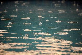 形容天黑要下雨的句子