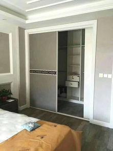 客厅衣柜酒柜一体设计