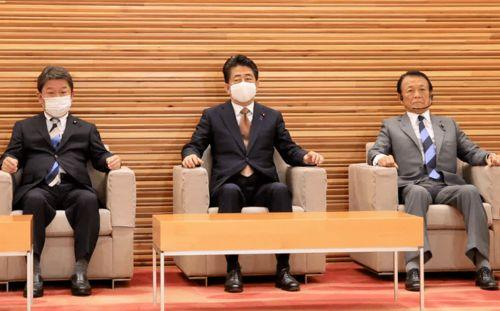 日本经济新闻安倍内阁全体辞职,安倍政权以连续在任时长最长2822天落下帷幕