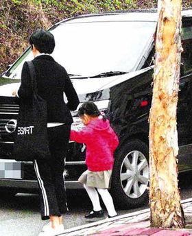 小S女儿童鞋上万元赶超王诗龄 娱乐圈豪门子女照曝奢侈生活