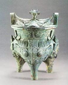 """伯矩鬲和伯矩西周燕都遗址博物馆伯矩鬲,于1975年北京房山琉璃河遗址m251号墓出土,周身采用七个牛头做装饰,俗称""""牛头鬲"""",在西周早期青铜器中较为少见。"""