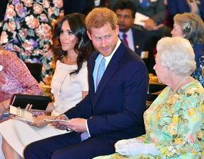 王室矛盾升级哈里梅根不陪女王过圣诞,女王撤掉两人照片