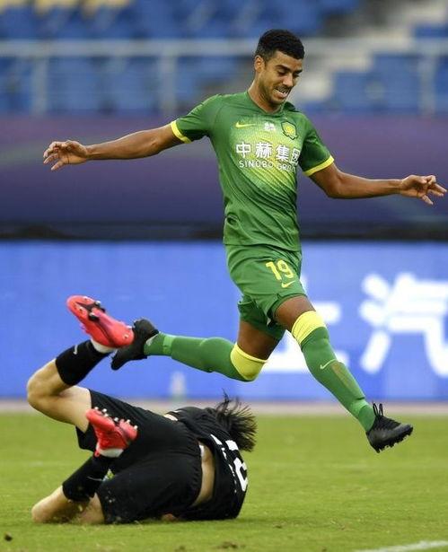 足球中超北京中赫国安胜青岛黄海青港