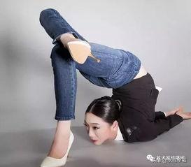 中国最美一字马美女比拼河南永城 中国第一柔术女王 刘藤逆天了