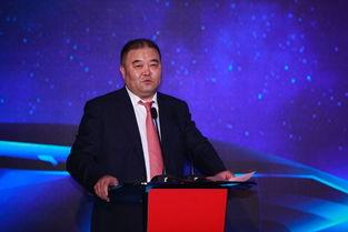中信银行行长孙德顺在发布会上讲话.