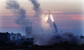 以色列铁穹反导系统发射导弹,准备对来自加沙地带的火箭弹进行拦截.