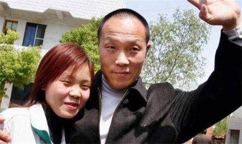 男子因杀妻被判15年,服刑11年妻子突然回家我老公去哪了