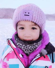 新浪娱乐讯12月8日,《爸爸去哪儿4》在黑龙江桃山杀青,爸爸和孩子们纷纷晒照片告别,钟丽缇呼唤张伦硕与女儿考拉快回家。