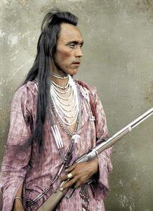 ...约120年前的印第安人酋长彩照,让如今的人们有机会一睹他们的真...
