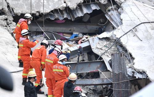 福建泉州酒店坍塌事故已致20人死亡,仍有10人被困