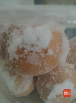 流油咸鸡蛋的腌制方法(如何腌咸鸡蛋)