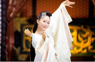 电视里,她是叱咤汉东的美女蛇,在现实中,她是满怀舞蹈梦的胡静