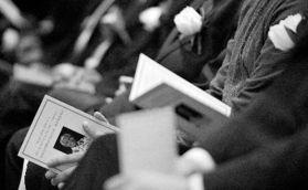 南非驻华使馆举行曼德拉追悼会前中国驻南非大使刘贵今致哀思官方公布葬礼细节周日9点开始国葬民族风