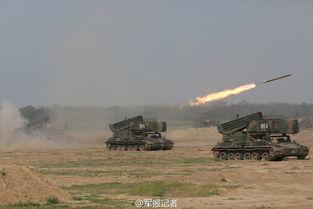 2015年6月28日,陆军第26集团军某炮兵团组织部队实弹射击演练,锤炼部队全天候火力打击能力.(:)