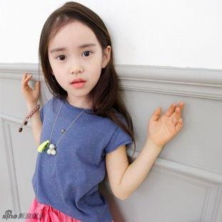 韩国粉嫩小萝莉走红 与Rain合影美过angelababy 图