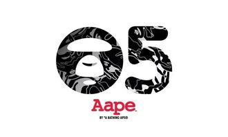 如何鉴定aape 猿人头印花短袖Tee的真假