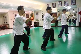 太极拳开合的辅助练习方法