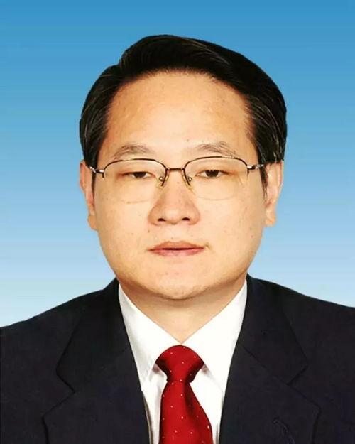 易炼红,男,汉族,1959年9月出生,湖南涟源人,研究生学历,经济学硕士学位,教授.