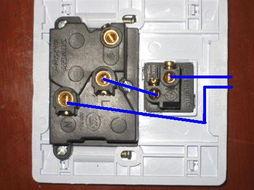单开双控开关线盒里3根线怎么接