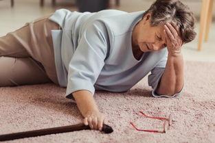 跌倒没什么大不了老人跌倒或可致命预防学会3招