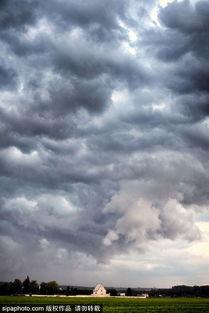 捷克 田野上的天空 阴云密布光影变幻