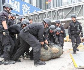 香港发现战时炸弹,处理过程宛如拆弹专家现场版